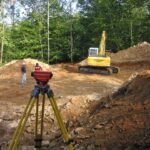 トータルステーションやレベルなどの測量機器